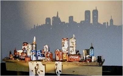 escultura de lixo que projeta sombra  (8)