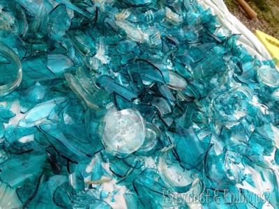 decoracao de parede com cacos de vidro e massa corrida 6