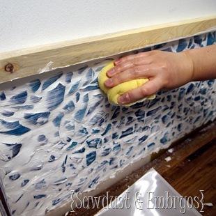 decoracao de parede com cacos de vidro e massa corrida 9
