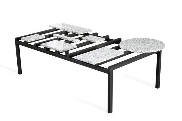 Mesa Abstrata, de Bruno Simões