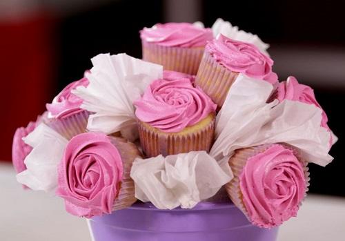 buque-de-rosas-de-cupcake 01