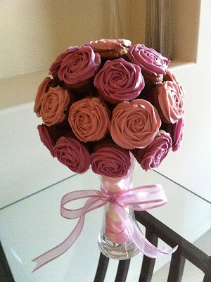 buque-de-rosas-de-cupcake 03