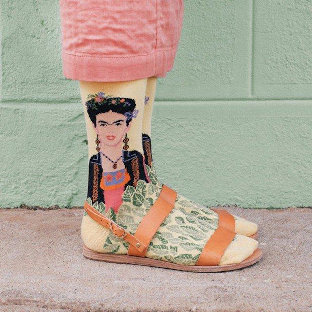 criativas meias inspiradas em obras de arte 05