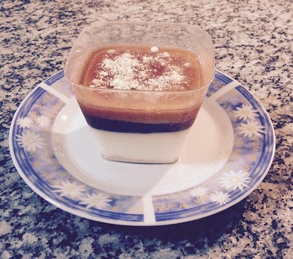 mousse de queijo com calda de goiaba (1)
