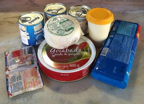mousse de queijo com calda de goiaba (2)