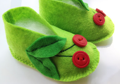 sapatinhos de feltro para bebe 10